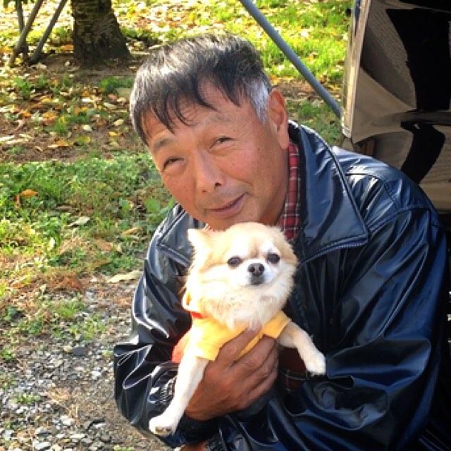 りんご大使テリーナくんが応援にきてくれましたぁ!今日から福島サンふじりんごの収穫が始まり、りんご大使テリーナくんがスタッフに、笑顔と元気を届けてくれました!これから10日間、スタッフ一丸となって収穫頑張りまーす♪( ´θ`)ノ出荷は12月1日からの予定です!どうぞお楽しみに〜٩(๑❛ᴗ❛๑)۶〜#菱沼農園#福島#福島りんご#サンふじりんご#収穫#飯坂#湯野#りんご大使#チワワ店長テリーナ#ツーショット